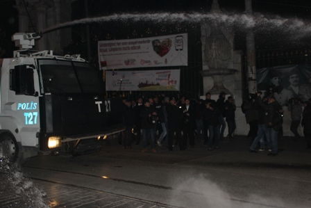 Taksimdeki Cizre katliamı protestosuna saldırı